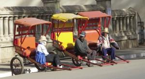 RN7 Train FCE Manakara Anakao. Pousse pousse à Antsirabe