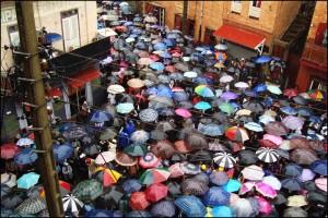 Un jour de pluie dans les rues de Tana.
