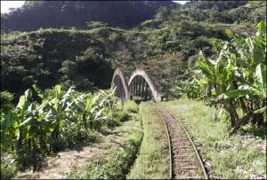 Un des 67 ponts que comporte la ligne du train FCE.