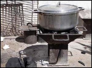 Le fatapera : toute la cuisine malgache est réalisée sur ces bruleurs à charbon de bois.