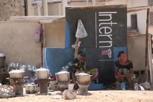 En ville, les fatapera servent également à cuire les aliments qui seront vendus aux chalands.