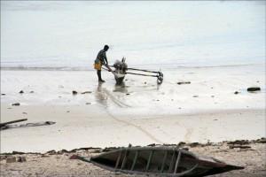 Petit village de pêcheurs qui ne vivent que de celle-ci, Tsandamba est tout naturellement tournée vers elle.