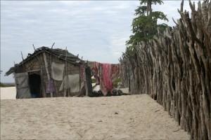 Une case typique des pêcheurs de Tsandamba.