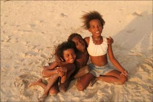 Enfants de pécheurs Vezo sur la côte Sud-Est de Madagascar.