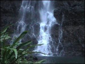 Beaucoup de lacs, cascades et rivières dans le arc de la Montagne d'Ambre ou l'eau est omniprésente.