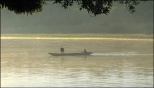 Pêcheurs sur la rivière Tsiribihina.