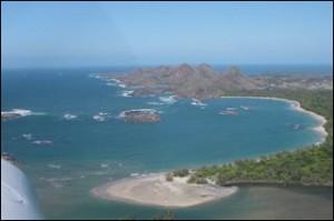 Le Camp Pirate se trouve dans la baie de Lokaro. Grand sud.