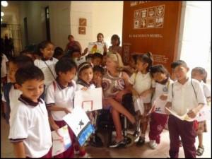 Voyage accessible. Comme dans beaucoup de pays pauvres, la visite des écoles est toujours source de grand bonheur à Madagascar.