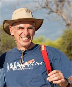 Le scientifique allemand Peter Kappeler, qui, associé à Rodin Rasoloarison a inscrit Microcebus marohita sur la liste rouge des espèces en danger.