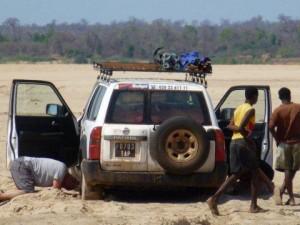 Raid 4x4 Madagascar : cela fait aussi partie des joies du 4x4.