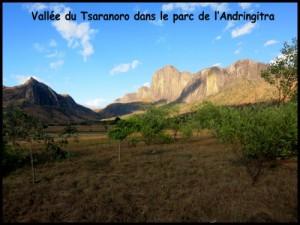 Zafimaniry Andringitra Vezo. La vallée du Tsaranoro.