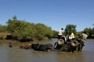 Quad Madagascar. Traversée d rivière.