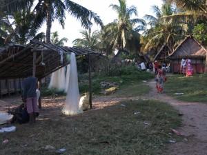 Zafimaniry Pangalanes. Petit village de pécheurs.