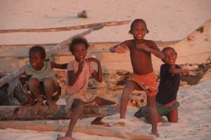 Ifaty Morondava. enfants Vezo.